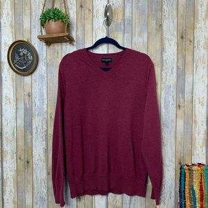 Banana Repub. Fact. Men's Burgundy V-Neck Sweater